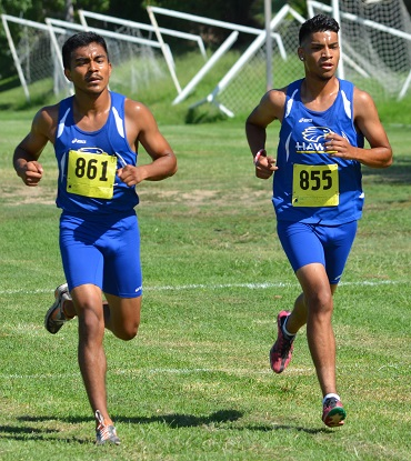 Hawks Men running at Foothill Invitational