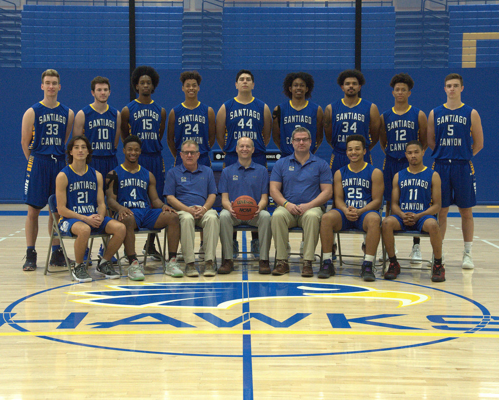 Team Picture 2017-18 Official.jpg